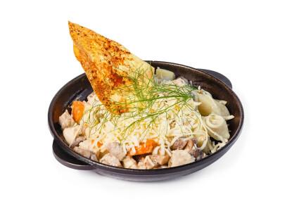 Картопля на гарячiй сковородi зі свіжими печерицями фото 1