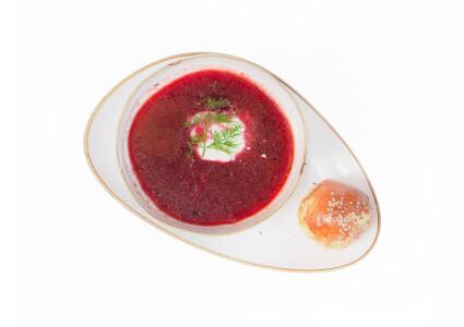 Червоний борщ з телятиною фото 1