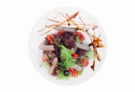 Теплий салат з телятиною фото 2