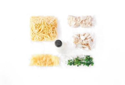 Food box  Спагеті  з курячим м'ясом та грибами фото 1