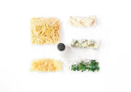 Food box  Паста Три сири фото 1