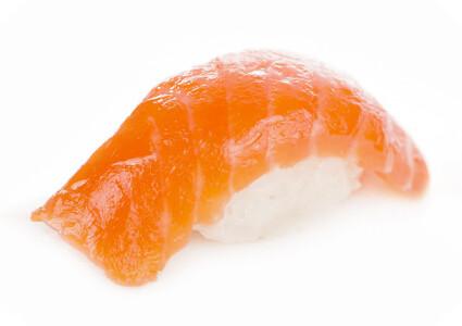 Нігірі з соленим лососем фото 1