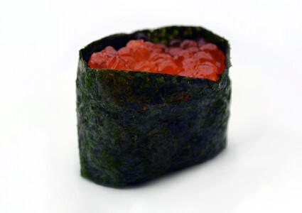 Нігірі з червоною ікрою фото 1