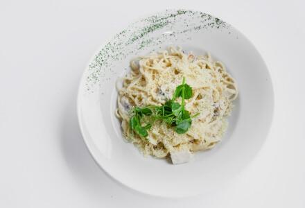 Спагеті з курячим м'ясом та грибами фото 2